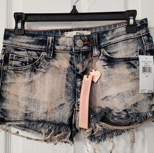 Denim jean high waisted cut off shorts